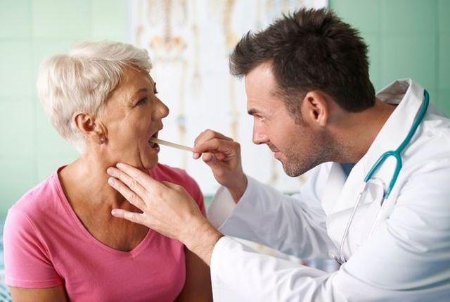 5 domowych sposobów na ból gardła